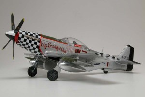 airfix-a14001-scale-1-24-military-aircraft-series-14-north-american-p-51d-mustang-model-kit-from-red-tails-[2]-422-p